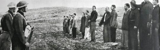 Comuniști greci în fața plutonului de execuție în timpul războiului civil